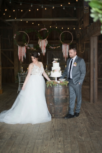 Honey Farm Wedding Reception Venue Dayton Ohio by Ashley Lynn Photography (18)