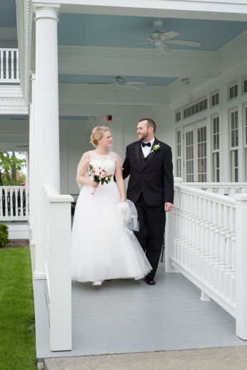 Mills_Park_Hotel_Yellow_Springs_Wedding_by_Ashley_Lynn_Photography (22)