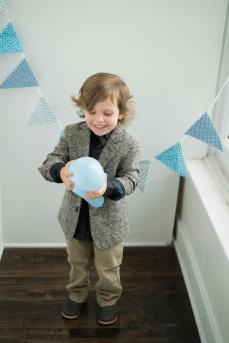 Dayton_Ohio_Boy_Birthday_Balloons_Session_By_Ashley_Lynn_Photography_1019
