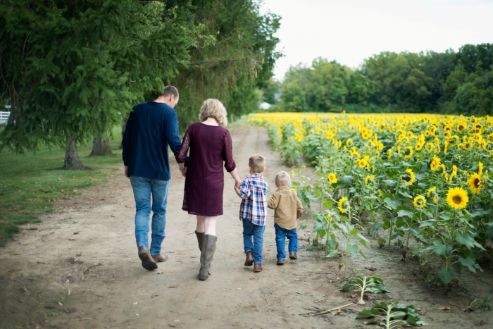 Family-Session-Sunflower-Field-by-Ashley-Lynn-Photography-1005