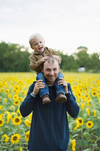 Family-Session-Sunflower-Field-by-Ashley-Lynn-Photography-1013