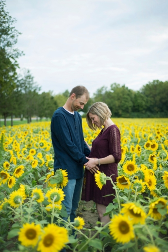 Family-Session-Sunflower-Field-by-Ashley-Lynn-Photography-1020