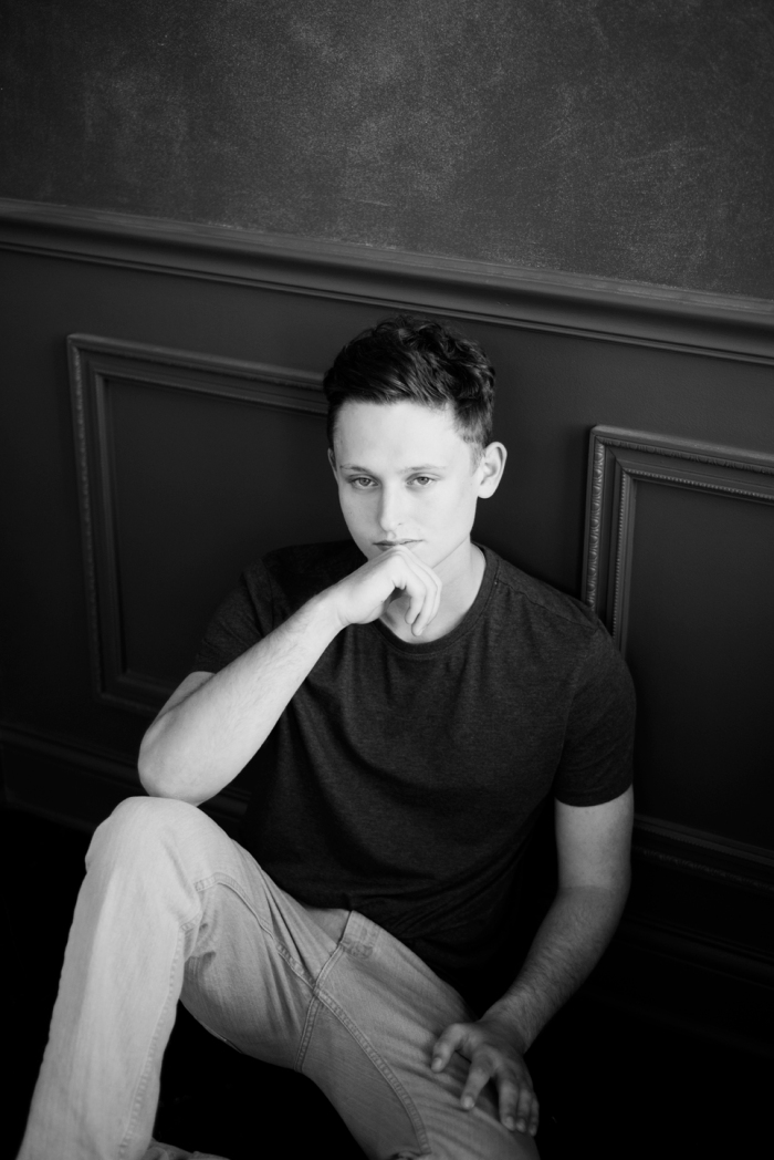 Black_and_White_Dayton_Ohio_Studio_Senior_Guy_Session_by_Ashley_Lynn_Photography_1027