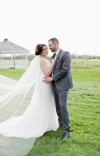 Honey Farm Wedding Reception Venue Dayton Ohio by Ashley Lynn Photography (36)