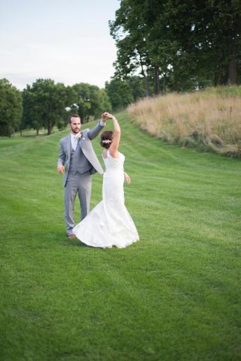 Dayton_Ohio_Gorgeous_Chic_Wedding_By_Ashley_Lynn_Photography_1047
