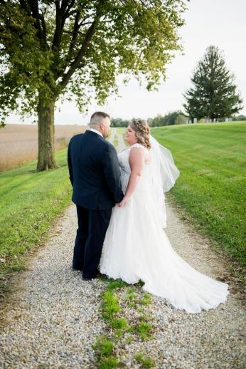 1022_dayton_ohio_rustic_chic_wedding_by_ashley_lynn_photography